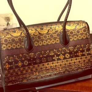 Handcrafted Italian leather bag